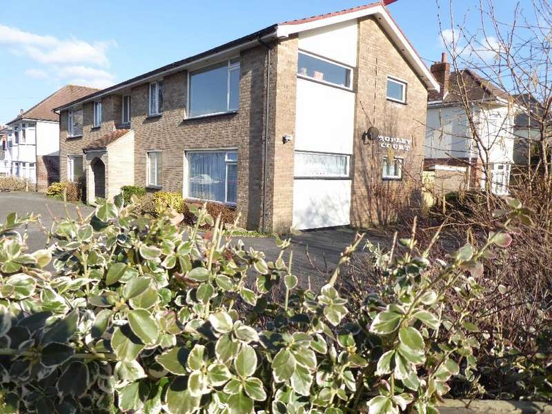 2 Bedrooms Apartment Flat for sale in Flat 1 Ropley Court, Ropley Road, Bournemouth, BH7