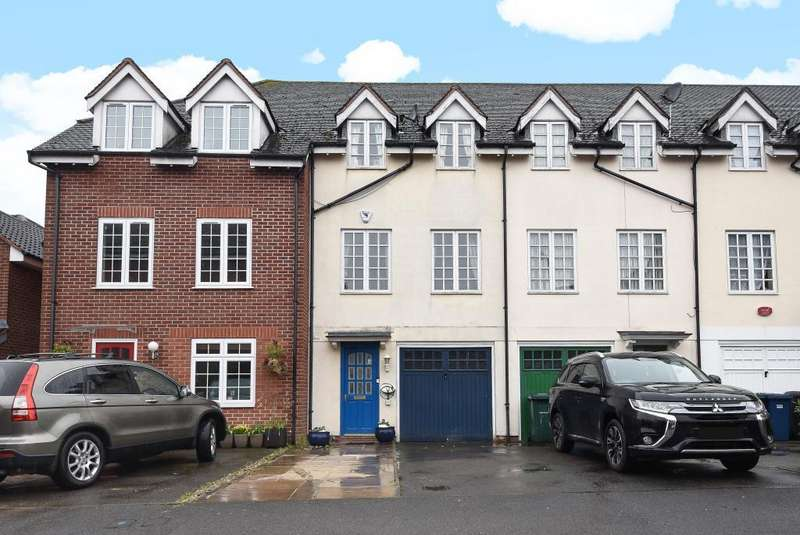 3 Bedrooms House for sale in Edgware, Middlesex, HA8