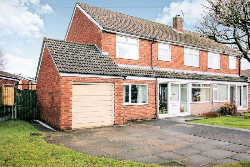 5 Bedrooms Semi Detached House for sale in Bankhouse Road, Brandlesholme, Bury