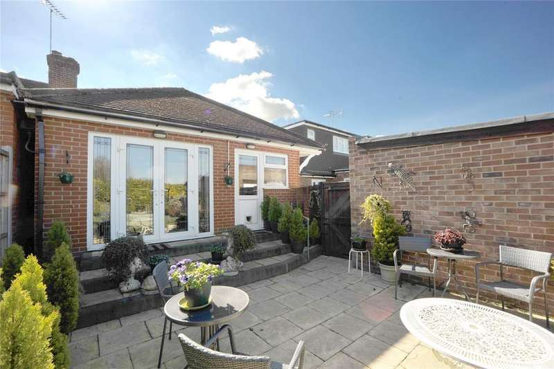 3 Bedrooms Semi Detached Bungalow for sale in Oliver Road, Shenfield, Essex, CM15