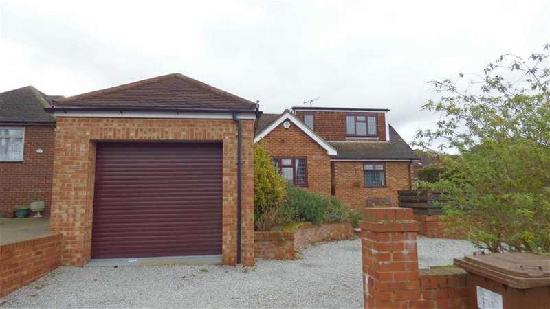 3 Bedrooms Semi Detached House for sale in Sharfleet Drive, Strood, Rochester