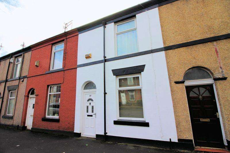 2 Bedrooms Terraced House for sale in Ainsworth Road, Bury.