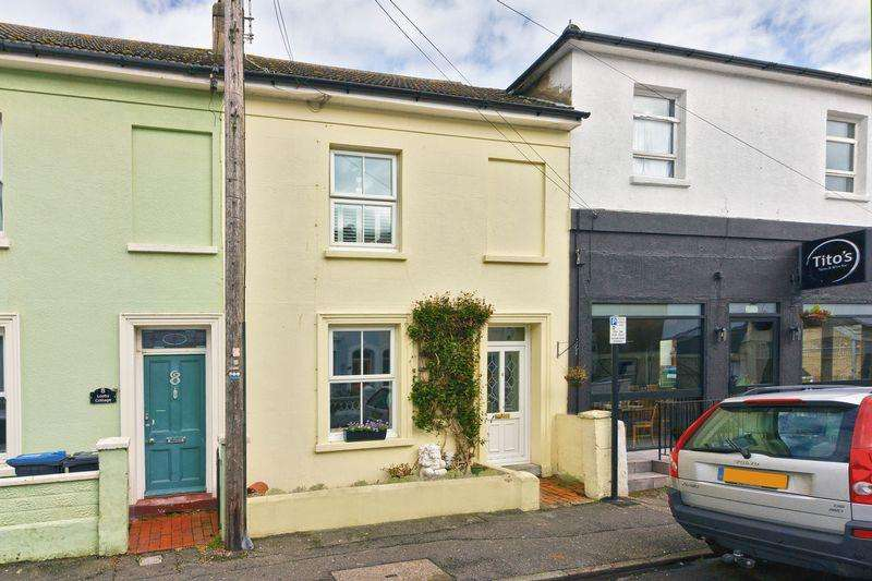 2 Bedrooms End Of Terrace House for sale in Graham Road, Worthing