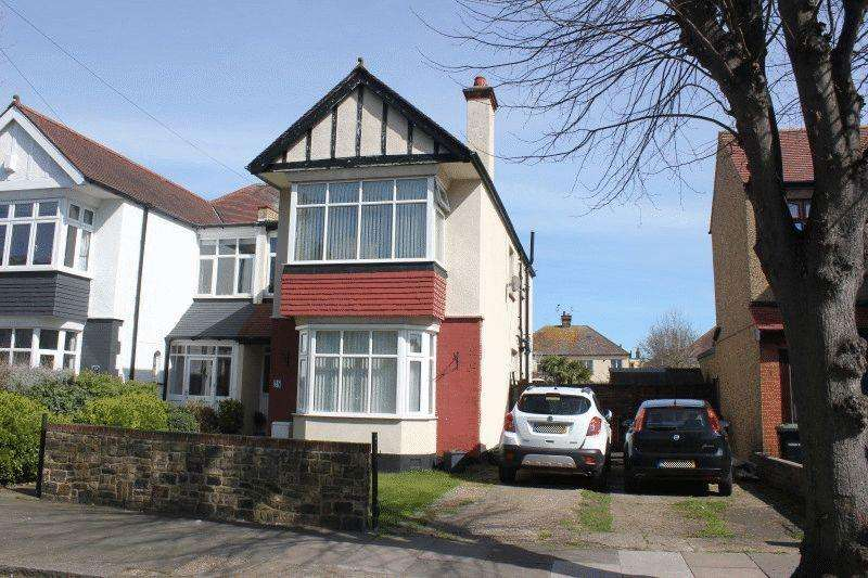 4 Bedrooms Semi Detached House for sale in Kensington Road, Southend-On-Sea