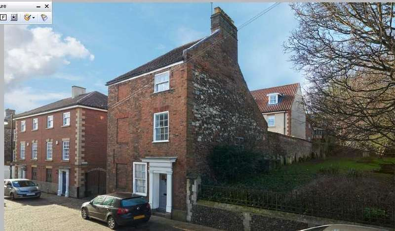 2 Bedrooms Maisonette Flat for sale in King Street, Norwich