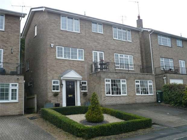 5 Bedrooms Detached House for sale in Henley-on-Thames, Oxfordshire