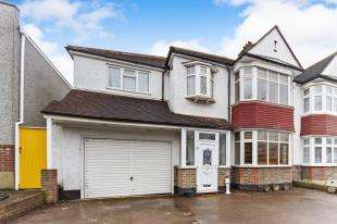 5 Bedrooms Semi Detached House for sale in Shirley Avenue, Shirley, Croydon, Surrey