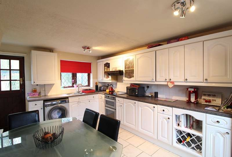 3 Bedrooms Detached House for sale in Morston, Tamworth, Staffordshire, B77