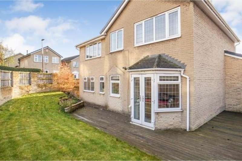 5 Bedrooms Detached House for sale in John Nelson Close, Birstall, Batley