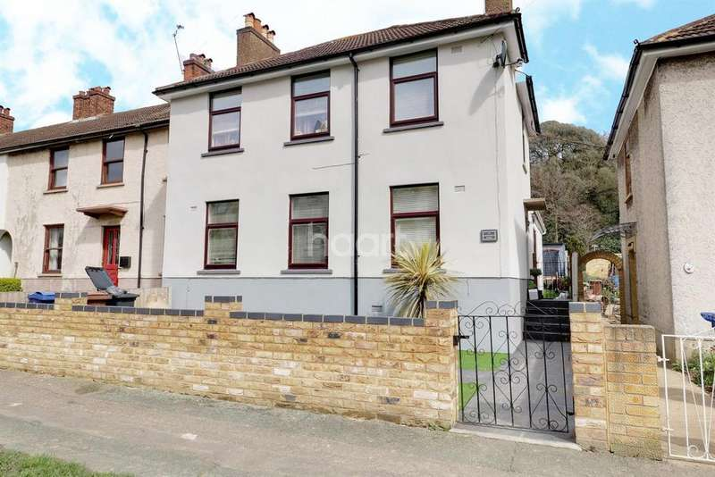 4 Bedrooms End Of Terrace House for sale in Hathaway Road, Grays