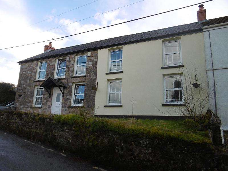 4 Bedrooms Semi Detached House for sale in Gwynfe, Llangadog, Carmarthenshire.