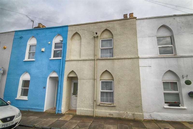 3 Bedrooms Terraced House for sale in Queens Retreat, Close To Town Centre, Cheltenham, GL51