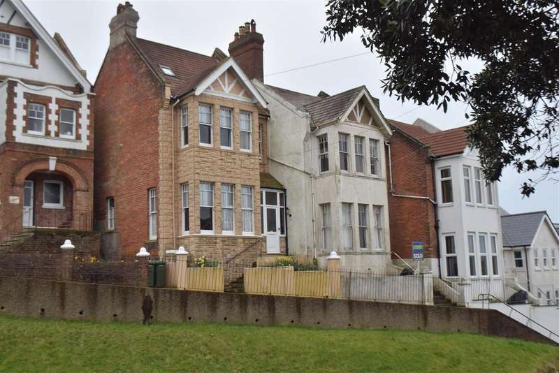 5 Bedrooms Terraced House for sale in Wellington Gardens, Hastings