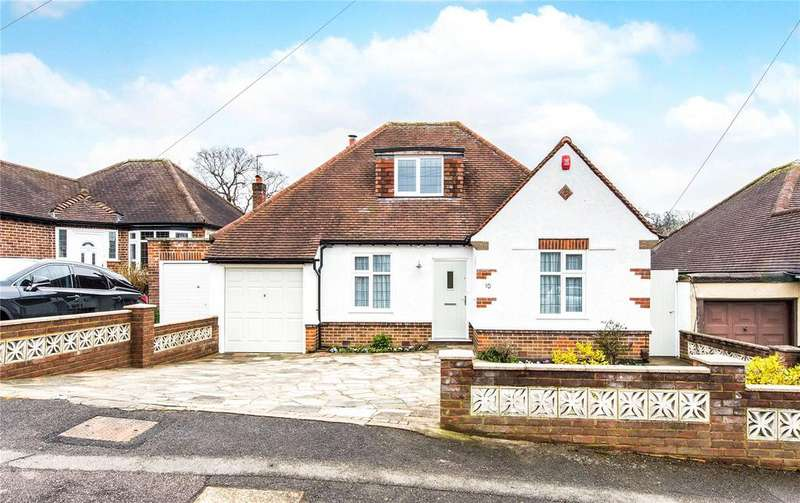 4 Bedrooms Detached House for sale in Hillside Gardens, Northwood, Middlesex, HA6