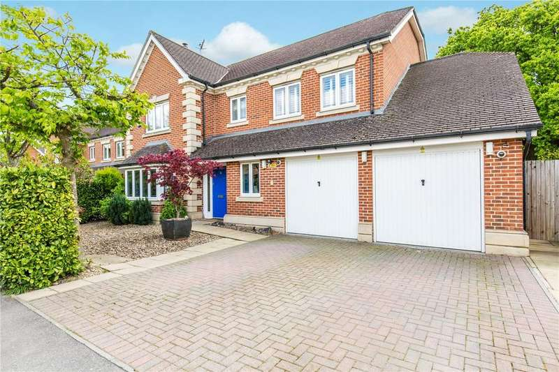 5 Bedrooms Detached House for sale in The Hollies, Oxted, Surrey, RH8