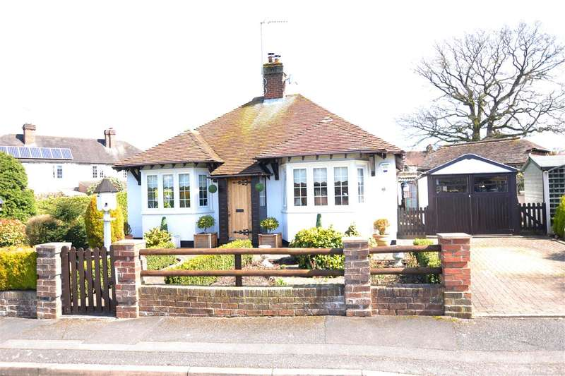 2 Bedrooms Detached Bungalow for sale in Manor Green, Stafford