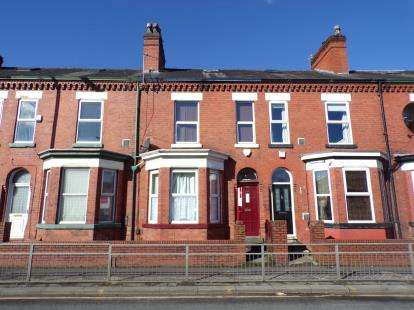 5 Bedrooms Terraced House for sale in Barton Road, Stretford, Manchester, Greater Manchester