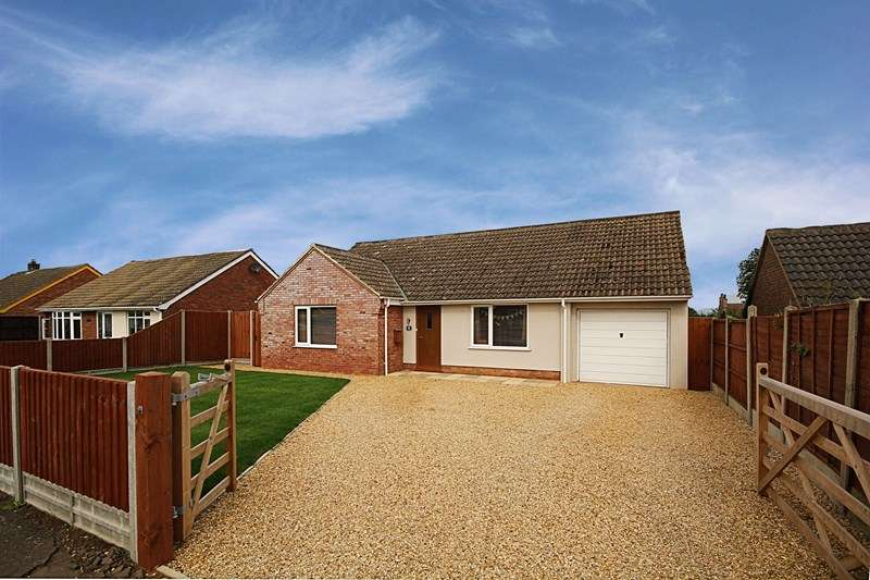 3 Bedrooms Detached Bungalow for sale in Lancaster Close, Methwold, Thetford