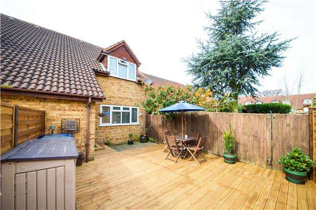 1 Bedroom Terraced House for sale in Welshside, Goldsmith Avenue, LONDON, NW9 7RJ