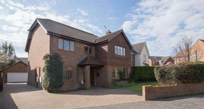 4 Bedrooms Detached House for sale in Upper Walmer