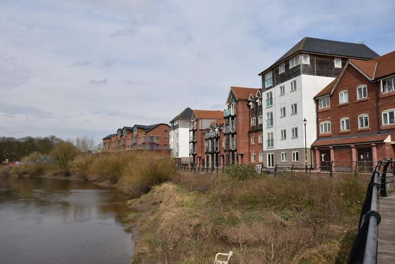 2 Bedrooms Apartment Flat for sale in New Crane Street, Chester