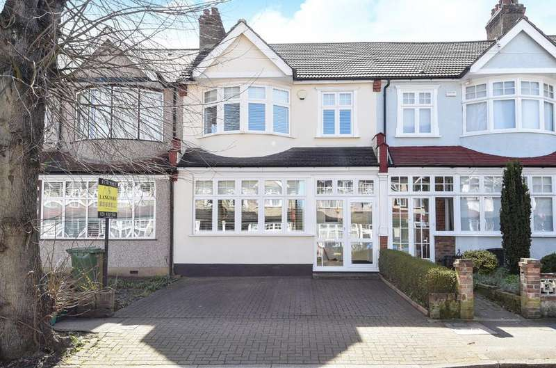 4 Bedrooms Semi Detached House for sale in Palace View Bromley BR1