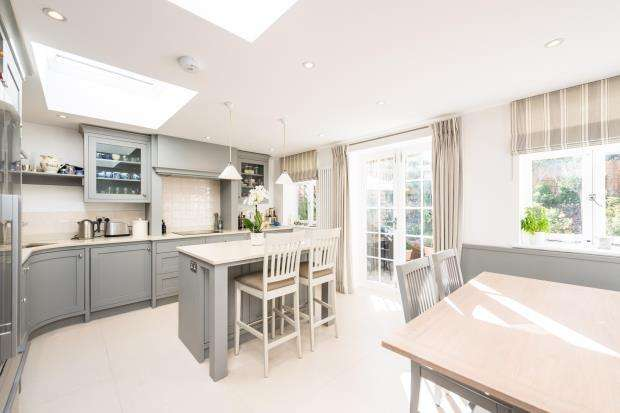 5 Bedrooms Flat for sale in Adelaide Road, Chalk Farm, London, NW3