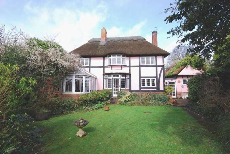 3 Bedrooms Detached House for sale in Thorpe End, Norwich