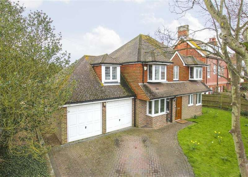 5 Bedrooms Detached House for sale in Southdown Road, Seaford