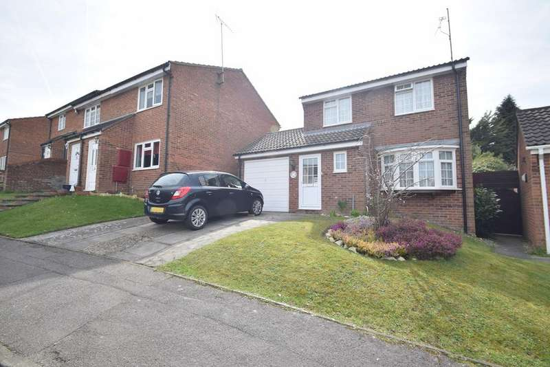 3 Bedrooms Detached House for sale in Bronington Close, Chatham, ME5