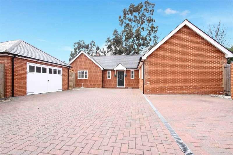 3 Bedrooms Detached Bungalow for sale in Levington Road, Ipswich