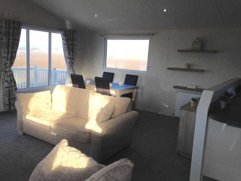 2 Bedrooms Lodge Character Property for sale in Beach Road, St Osyth, Nr Clacton-On-Sea