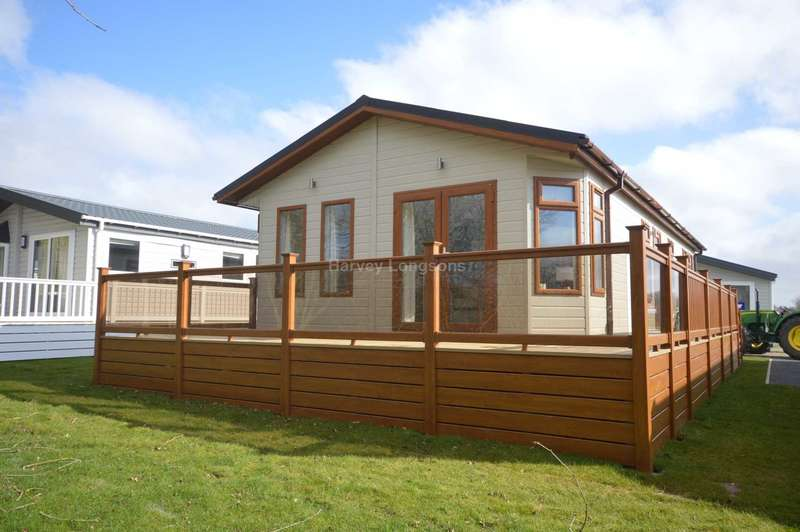 2 Bedrooms Lodge Character Property for sale in Carlton Meres Holiday Park, Rendham Road, Carlton, Saxmundham