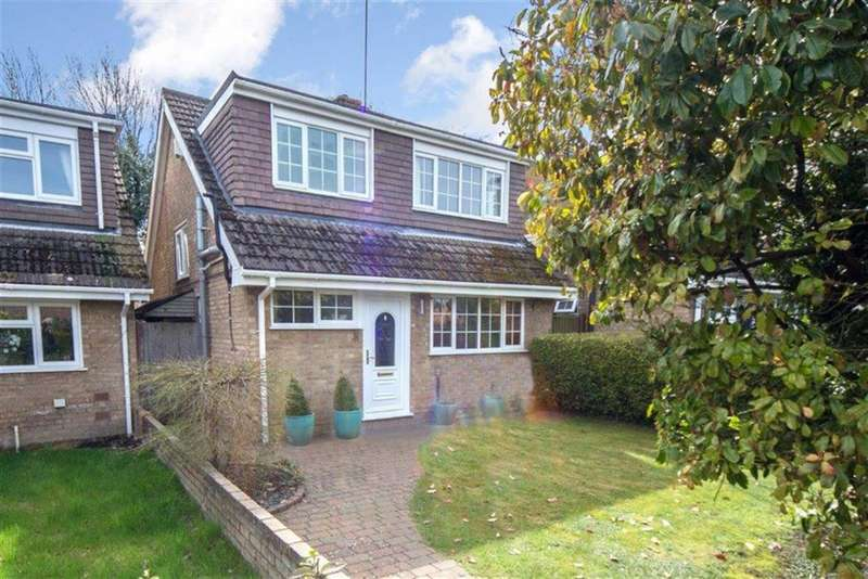 3 Bedrooms Detached House for sale in Blacksmiths Common, Chalton
