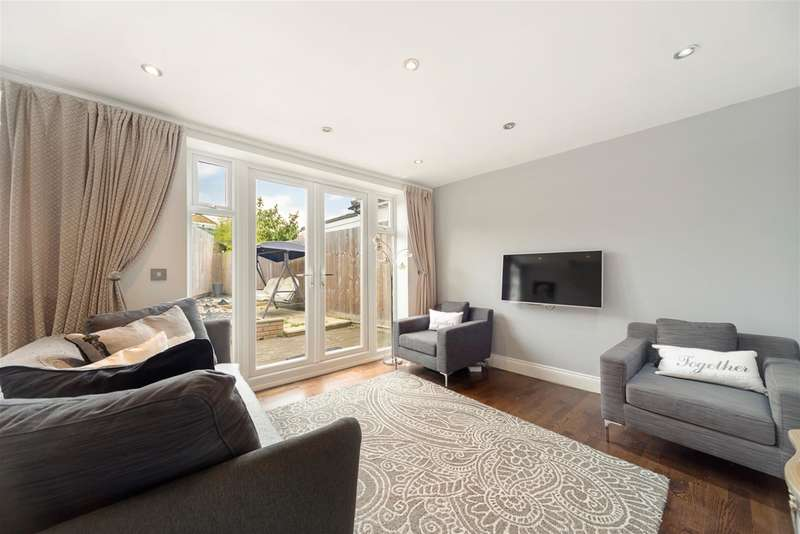 2 Bedrooms Detached House for sale in Elers Road, W13