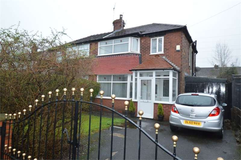 3 Bedrooms Semi Detached House for rent in Windsor Avenue, Whitefield, Manchester, M45