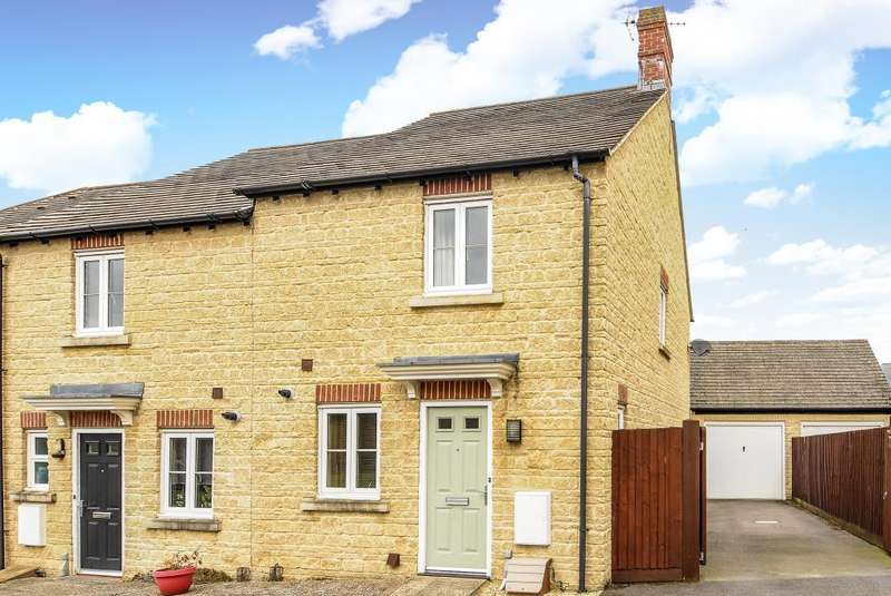 2 Bedrooms House for sale in Boundary Way, Carterton, OX18