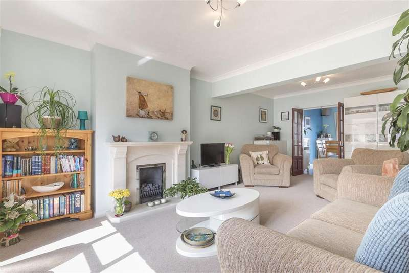 4 Bedrooms Semi Detached House for sale in Hillcrest, Brighton