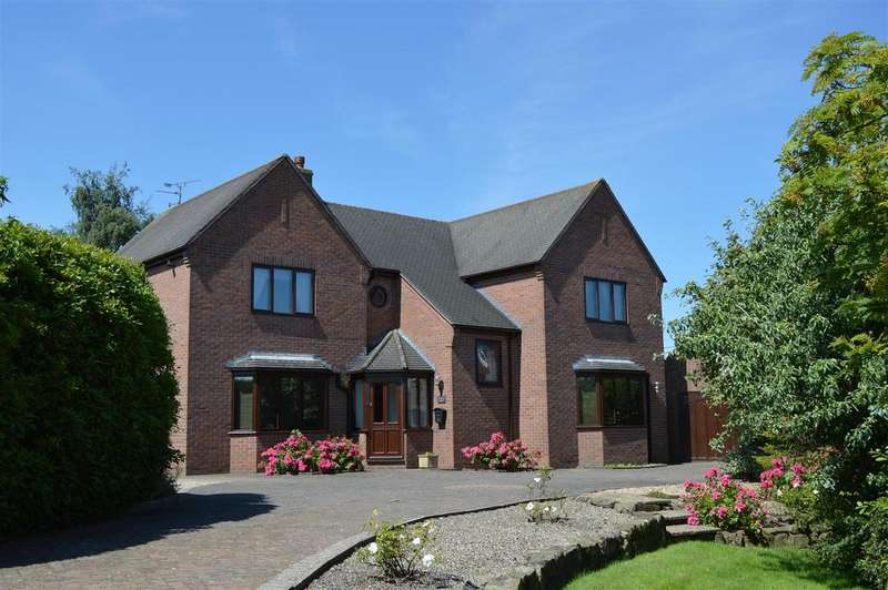 4 Bedrooms Detached House for sale in Salem Road, Coedpoeth, Wrexham