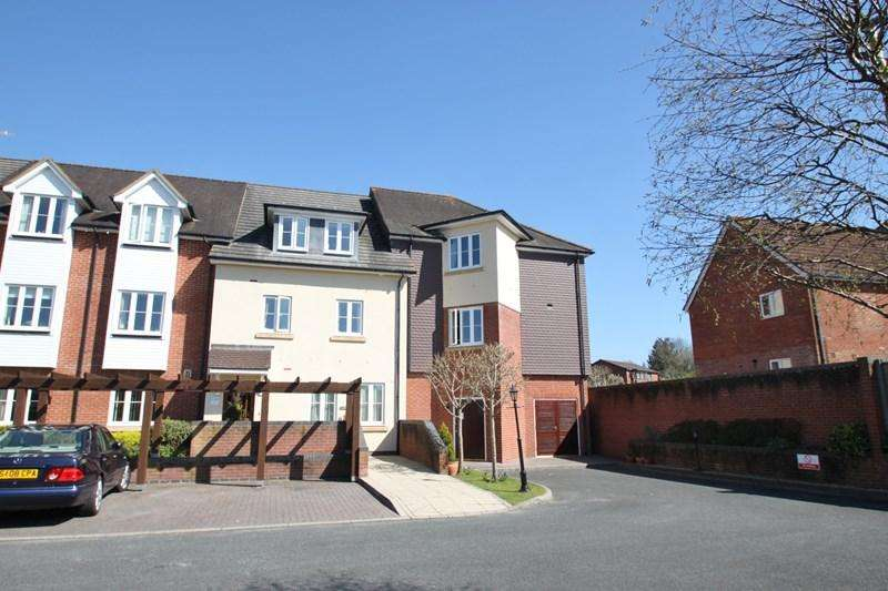 1 Bedroom Apartment Flat for sale in Jenner Close, Verwood