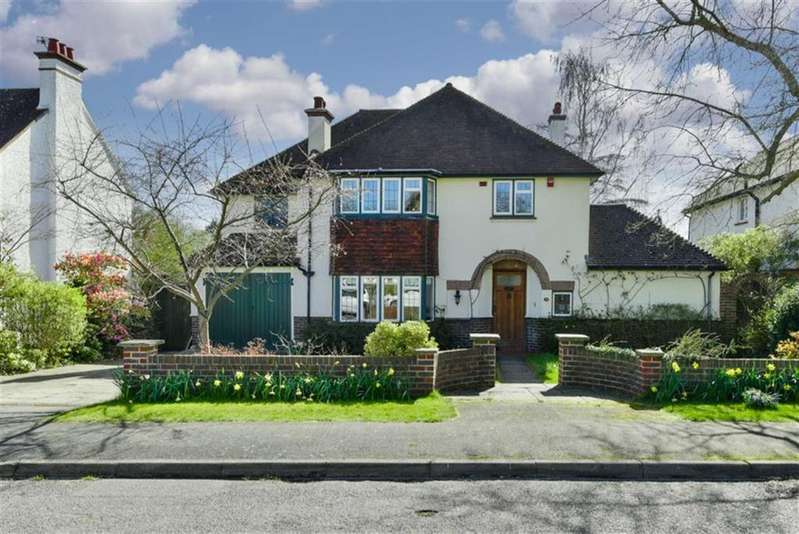 5 Bedrooms Detached House for sale in Christ Church Mount, Epsom, Surrey
