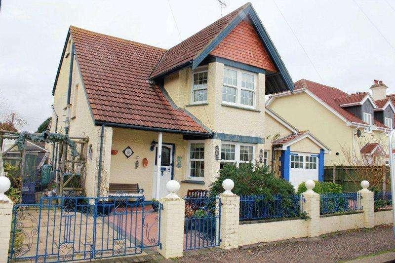 4 Bedrooms Detached House for rent in Tennyson Road, Bognor Regis