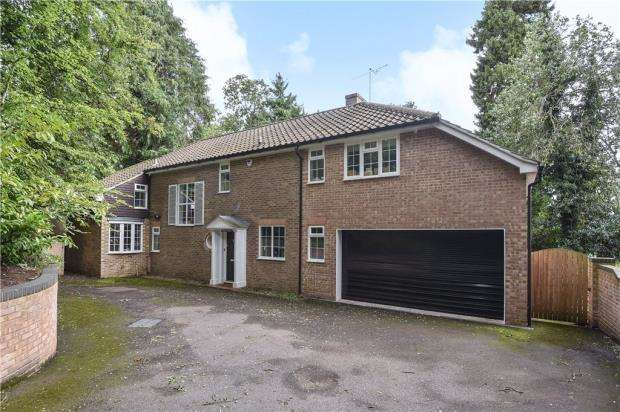 5 Bedrooms Detached House for sale in London Road, Camberley, Surrey