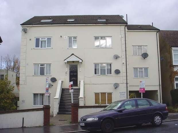 2 Bedrooms Flat for sale in Woodville Road, Thornton Heath, Surrey