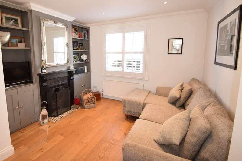 2 Bedrooms Terraced House for sale in The Walk, Eton Wick, SL4