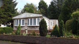 2 Bedrooms Mobile Home for sale in Partridge Place, Turners Hill Park, Turners Hill, West Sussex