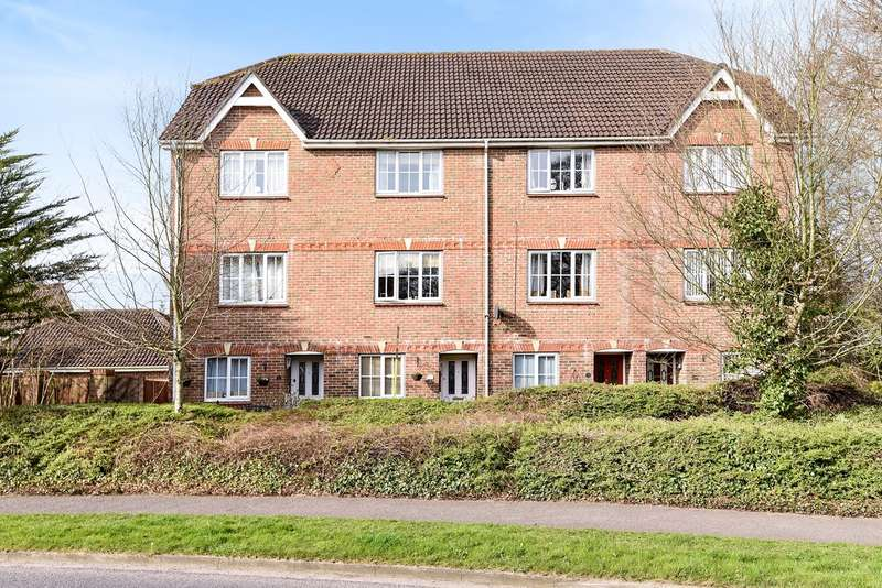 4 Bedrooms Town House for sale in Camford Close, Beggarwood, Basingstoke, RG22