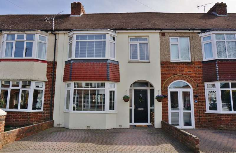 3 Bedrooms Terraced House for sale in LEIGH ROAD, FAREHAM
