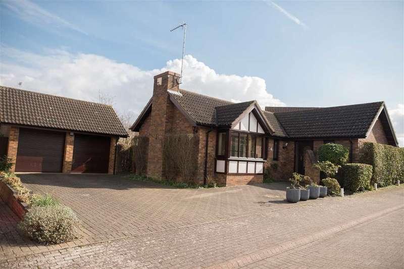 3 Bedrooms Bungalow for sale in Mortons Fork, Blue Bridge, Milton Keynes