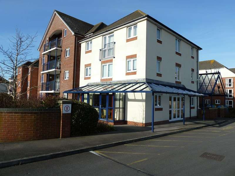 1 Bedroom Flat for sale in Stour Road, Christchurch
